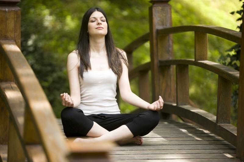 Yoga-per-combattere-ansia-stress-800x533