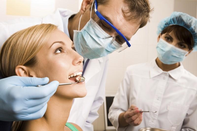 igiene-orale-per-combattere-alitosi-800x533